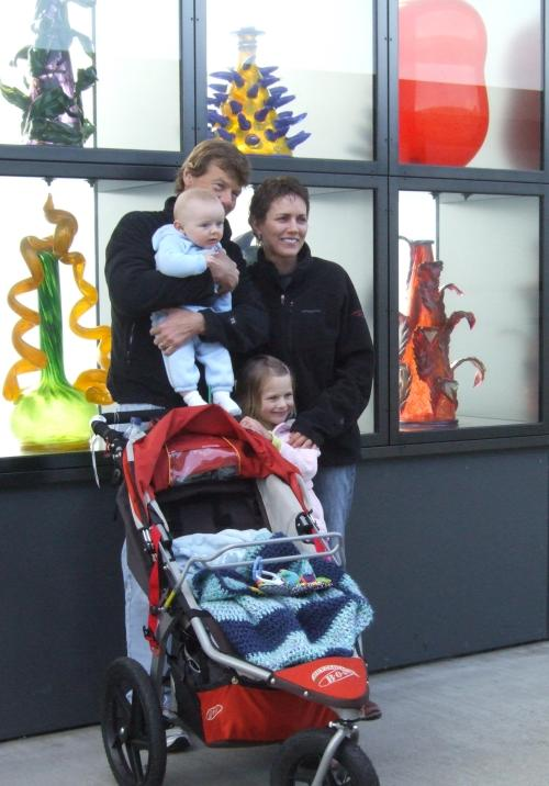 "A family in front of the wall of Chihualy ""vases"""